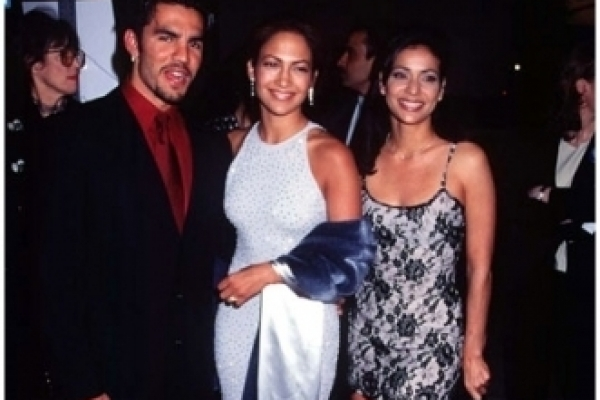 selena-premiere-1997-selena-the-movie-23085393-331-5004384C983-C716-1C0F-2385-B3C34934272D.jpg